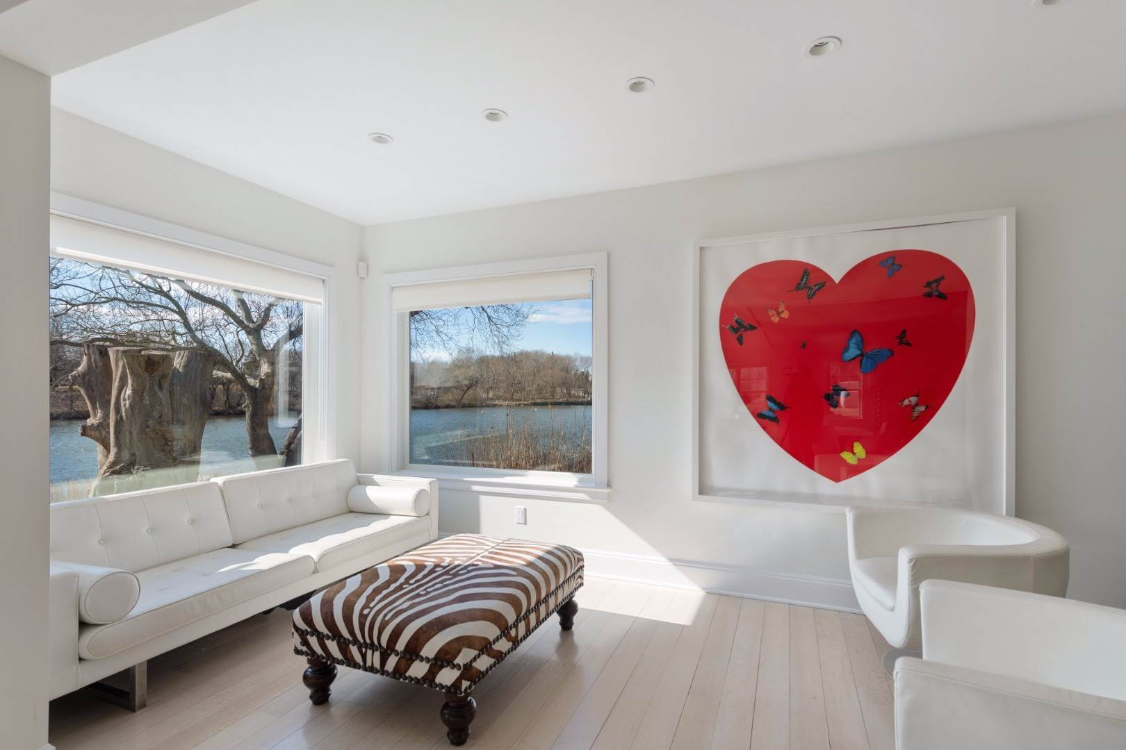 6. Single Family Home at Southampton Village Water Front Cottage Southampton, NY 11968