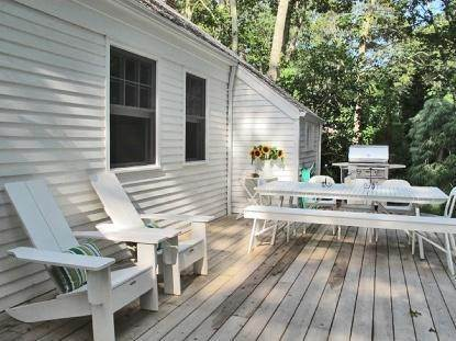 17. Single Family Home at Wainscot South The Cottage Of Your Dreams! Wainscott, NY 11975