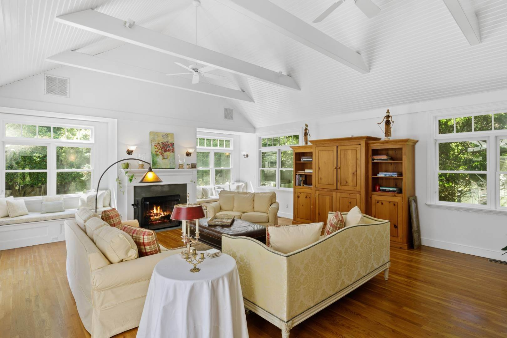 3. Single Family Home at Fabulous Southampton Rental Sunny, Clean With Tennis Southampton, NY 11968