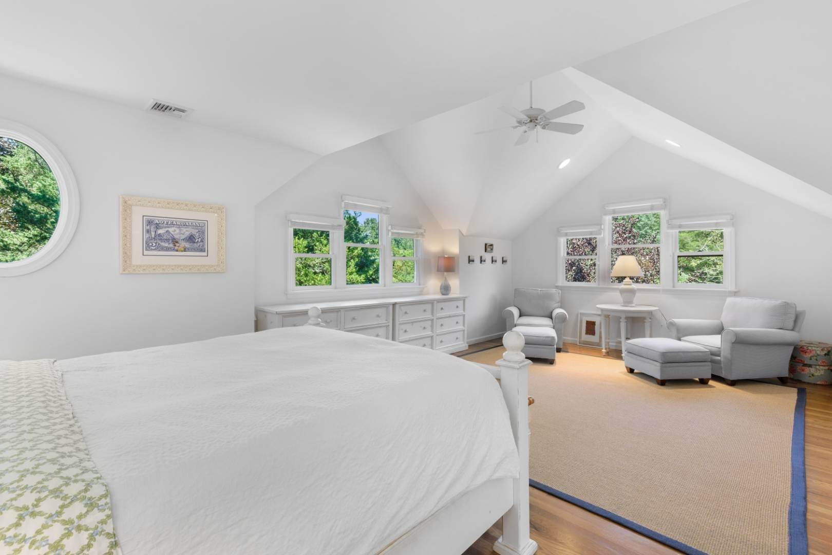 14. Single Family Home at Fabulous Southampton Rental Sunny, Clean With Tennis Southampton, NY 11968