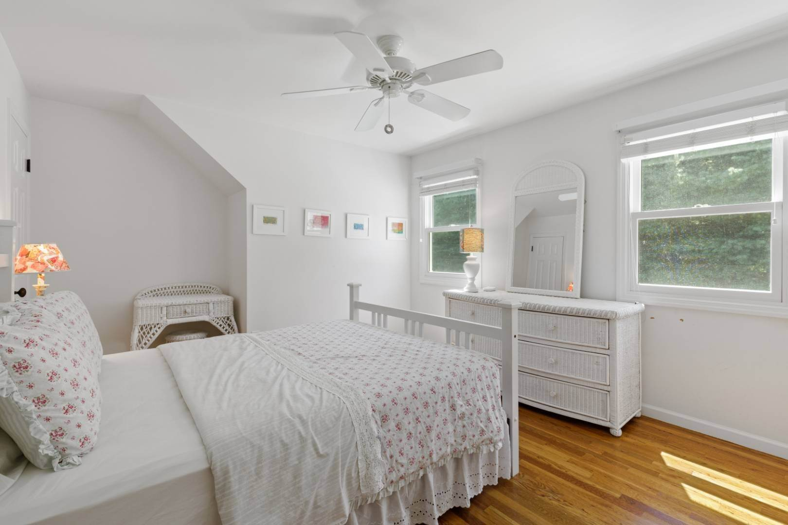 16. Single Family Home at Fabulous Southampton Rental Sunny, Clean With Tennis Southampton, NY 11968