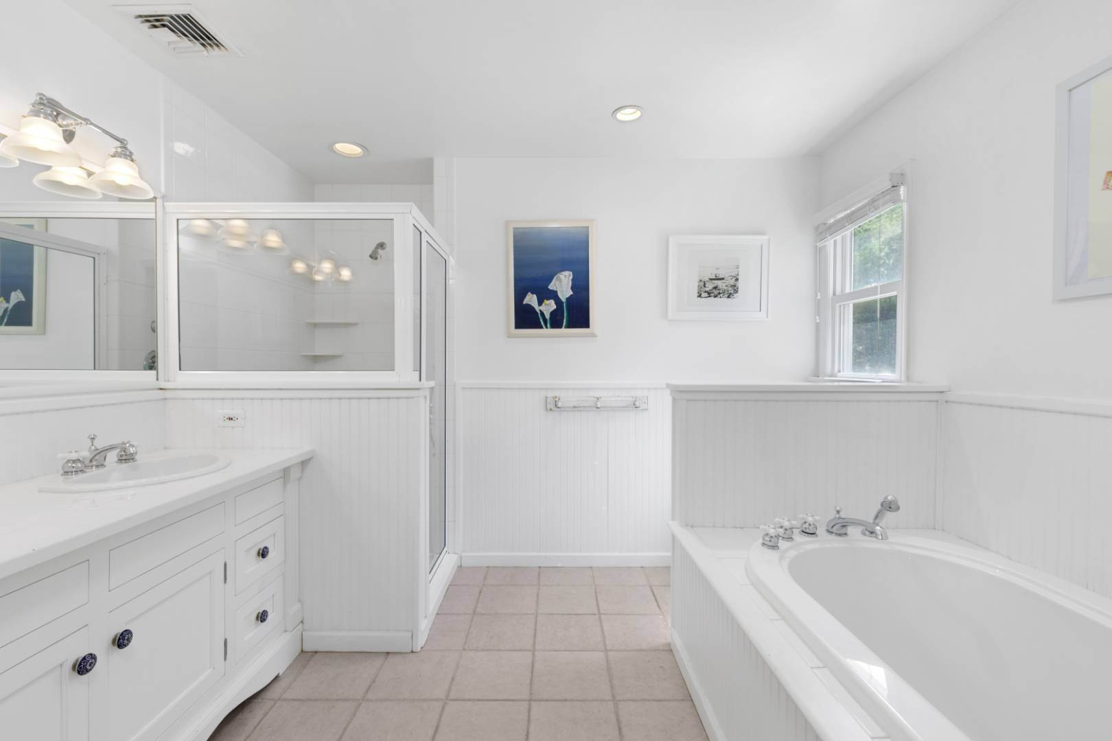 15. Single Family Home at Fabulous Southampton Rental Sunny, Clean With Tennis Southampton, NY 11968