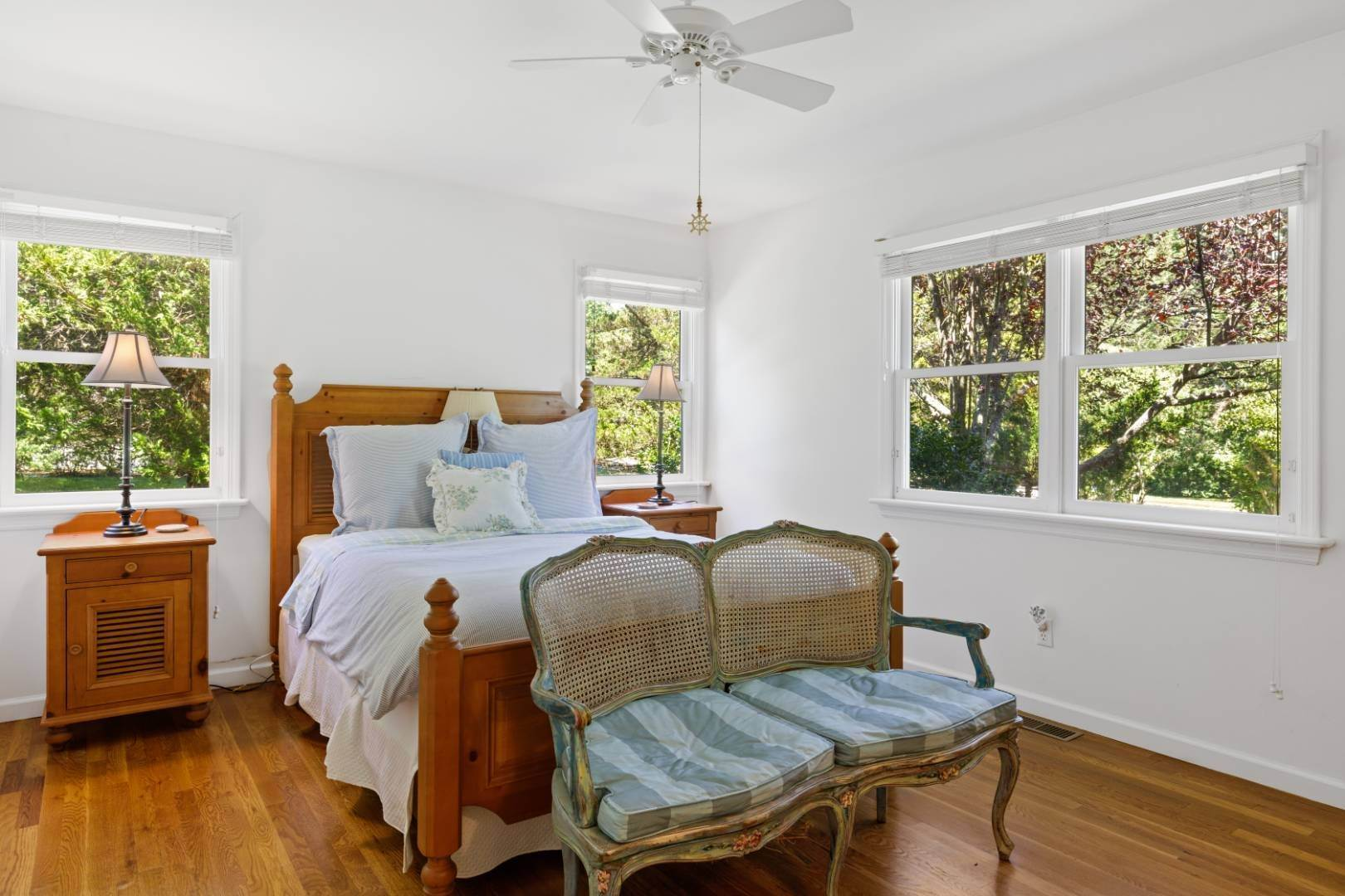 5. Single Family Home at Fabulous Southampton Rental Sunny, Clean With Tennis Southampton, NY 11968