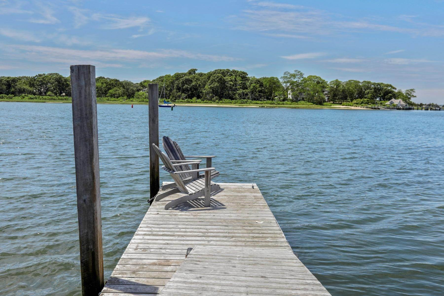 3. Single Family Home at Bullhead Bay Front, New Construction Southampton, NY 11968