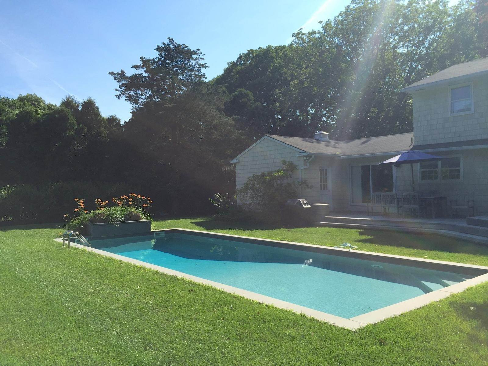 19. Single Family Home at Newly Completed Five Bedroom Home In East Hampton Village East Hampton, NY 11937