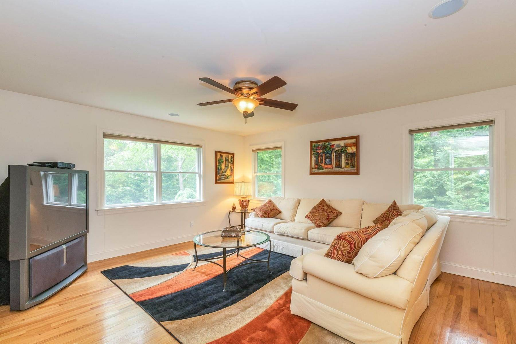 12. Single Family Home at Upscale Home In The Pines With Inground Heated Pool East Quogue, NY 11942