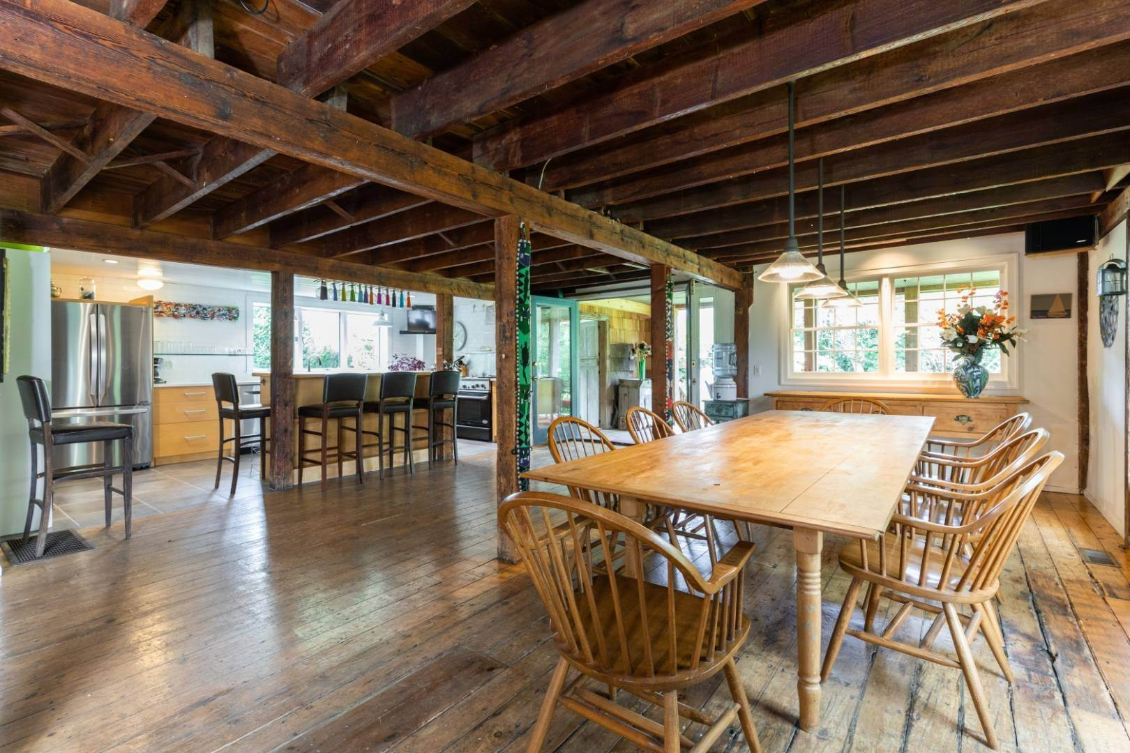 8. Single Family Home at Stunning, Secluded And Convenient In The Heart Of Bridgehampton Bridgehampton, NY 11932