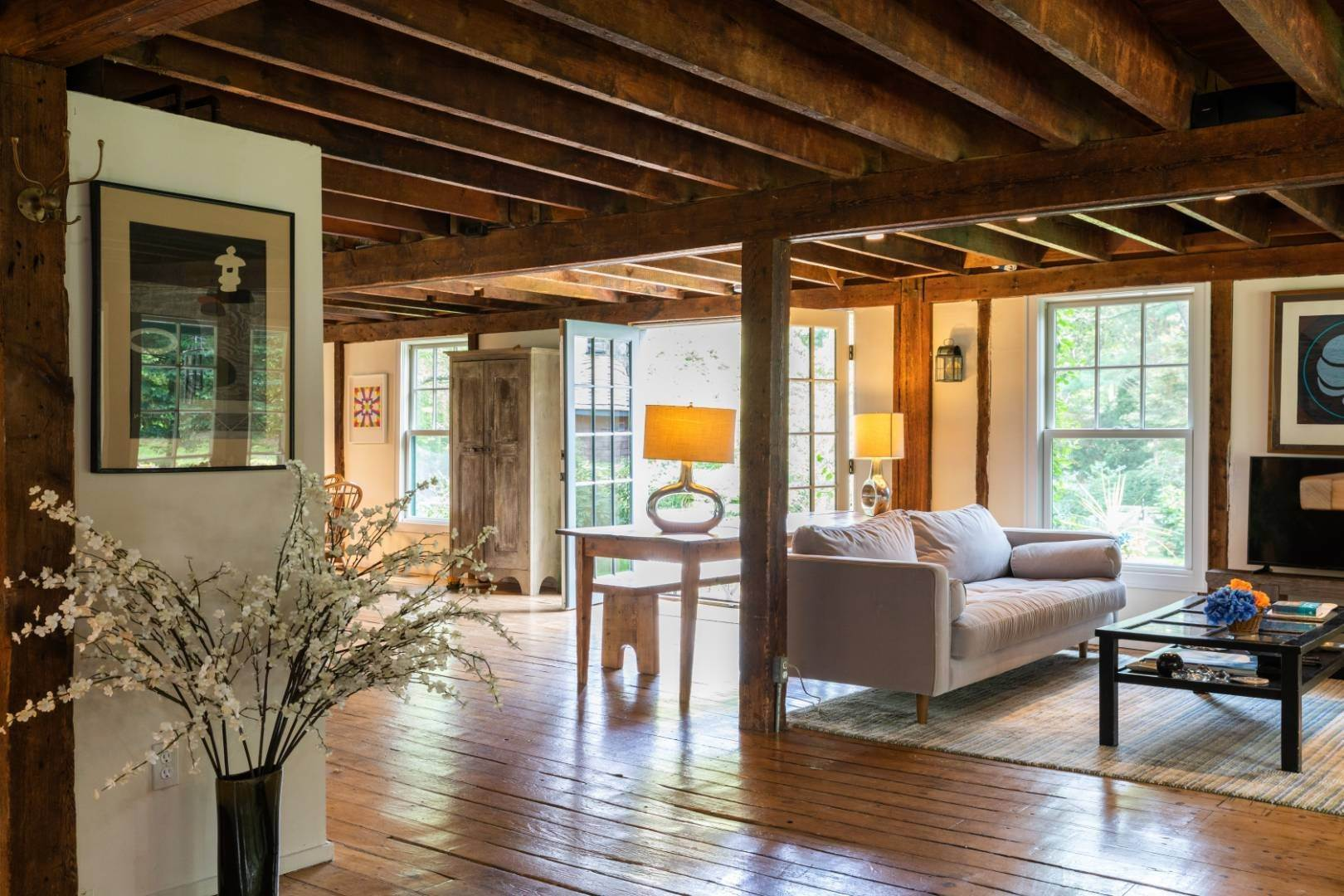 11. Single Family Home at Stunning, Secluded And Convenient In The Heart Of Bridgehampton Bridgehampton, NY 11932