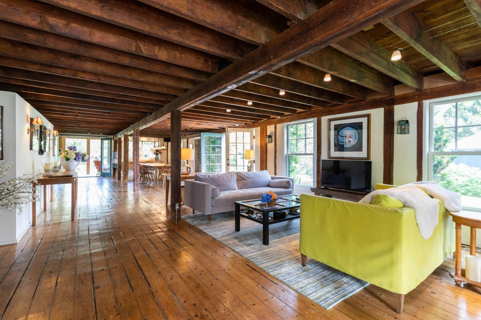 6. Single Family Home at Stunning, Secluded And Convenient In The Heart Of Bridgehampton Bridgehampton, NY 11932