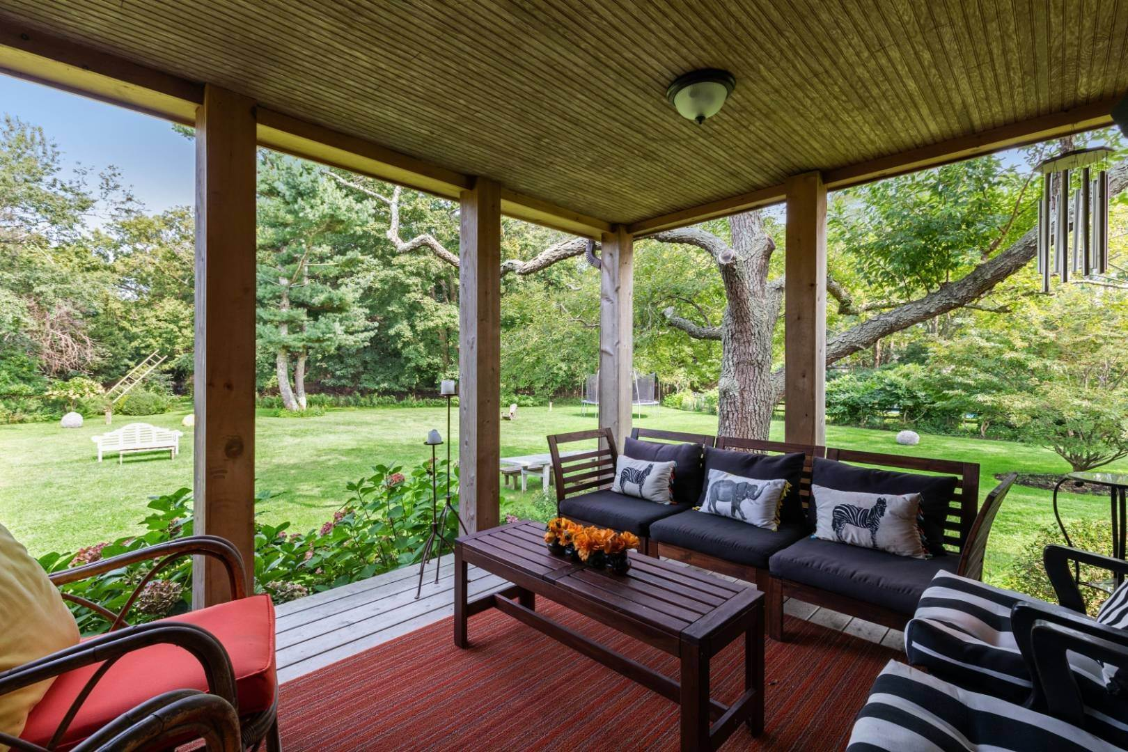 5. Single Family Home at Stunning, Secluded And Convenient In The Heart Of Bridgehampton Bridgehampton, NY 11932