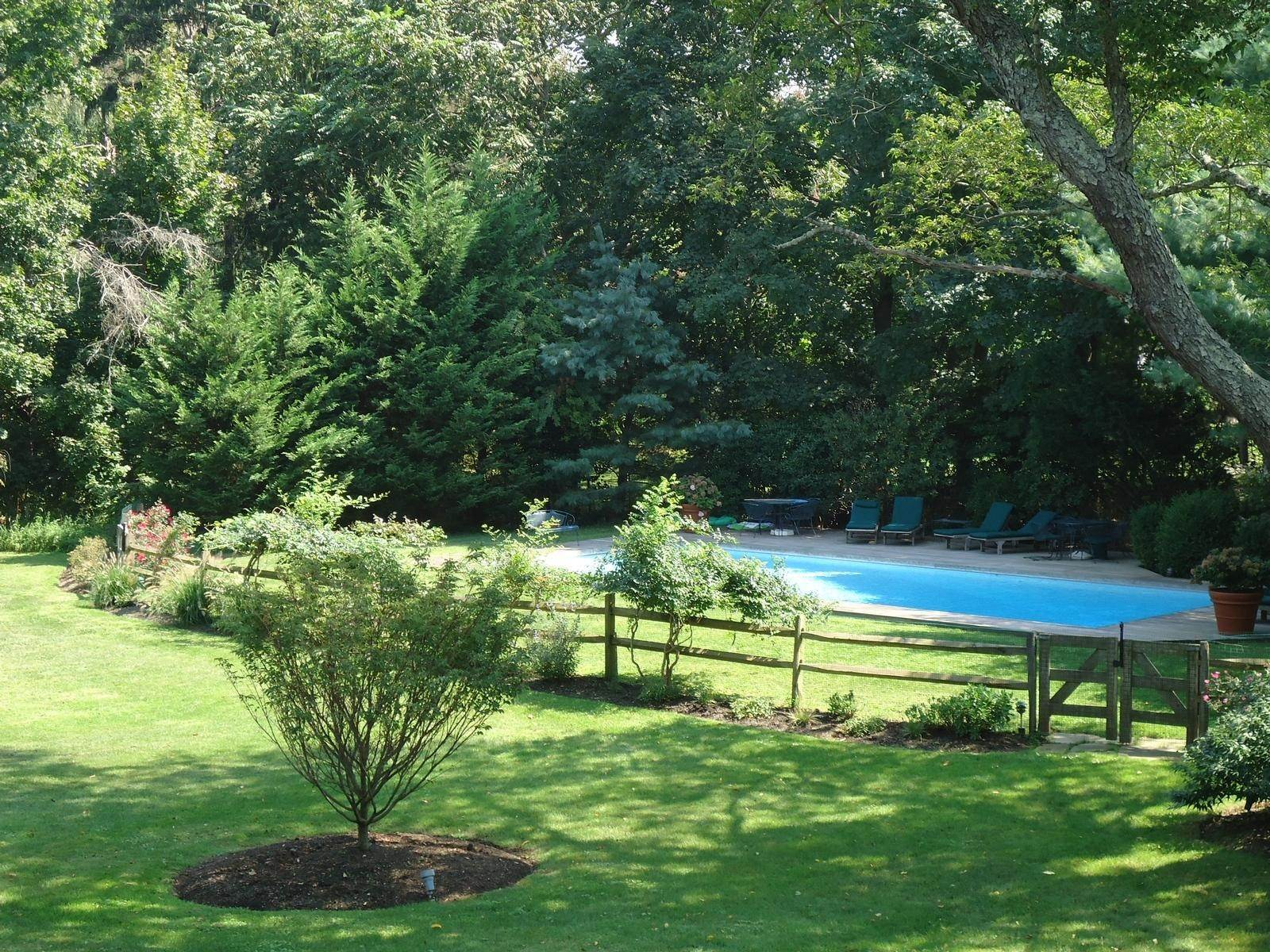 3. Single Family Home at Stunning, Secluded And Convenient In The Heart Of Bridgehampton Bridgehampton, NY 11932