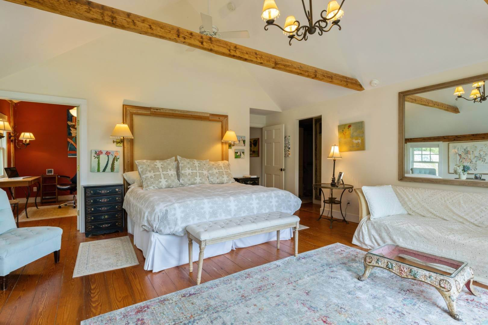 19. Single Family Home at Stunning, Secluded And Convenient In The Heart Of Bridgehampton Bridgehampton, NY 11932
