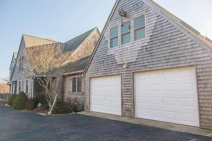 22. Single Family Home at Spacious Montauk Home-Newly Renovated With Pool Montauk, NY 11954