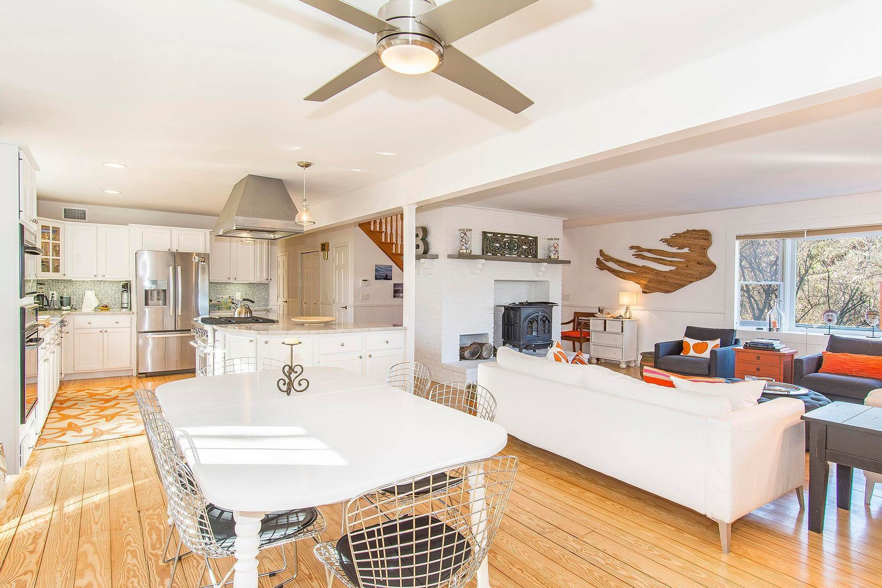 5. Single Family Home at Spacious Montauk Home-Newly Renovated With Pool Montauk, NY 11954