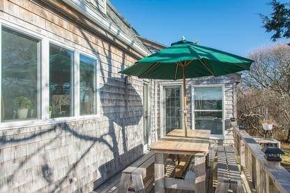 21. Single Family Home at Spacious Montauk Home-Newly Renovated With Pool Montauk, NY 11954
