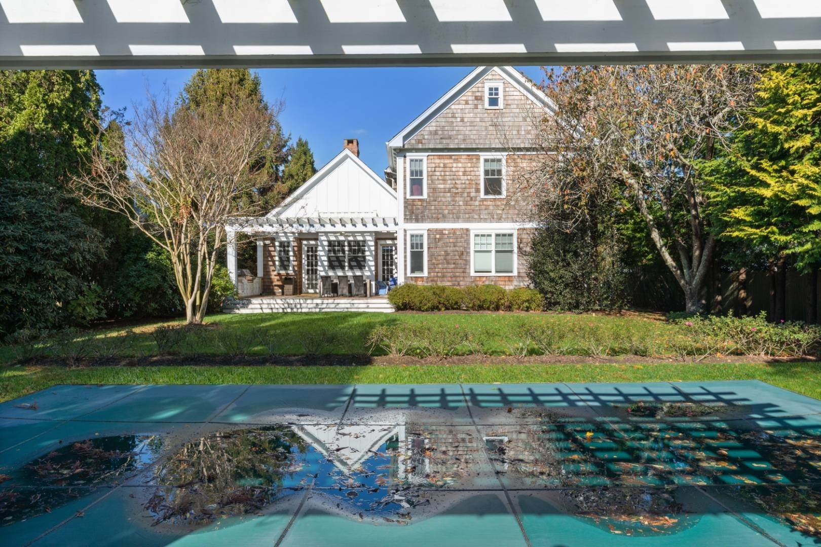 5. Single Family Home at Southampton Village Rental 66 Old Town Crossing, Southampton, NY 11968