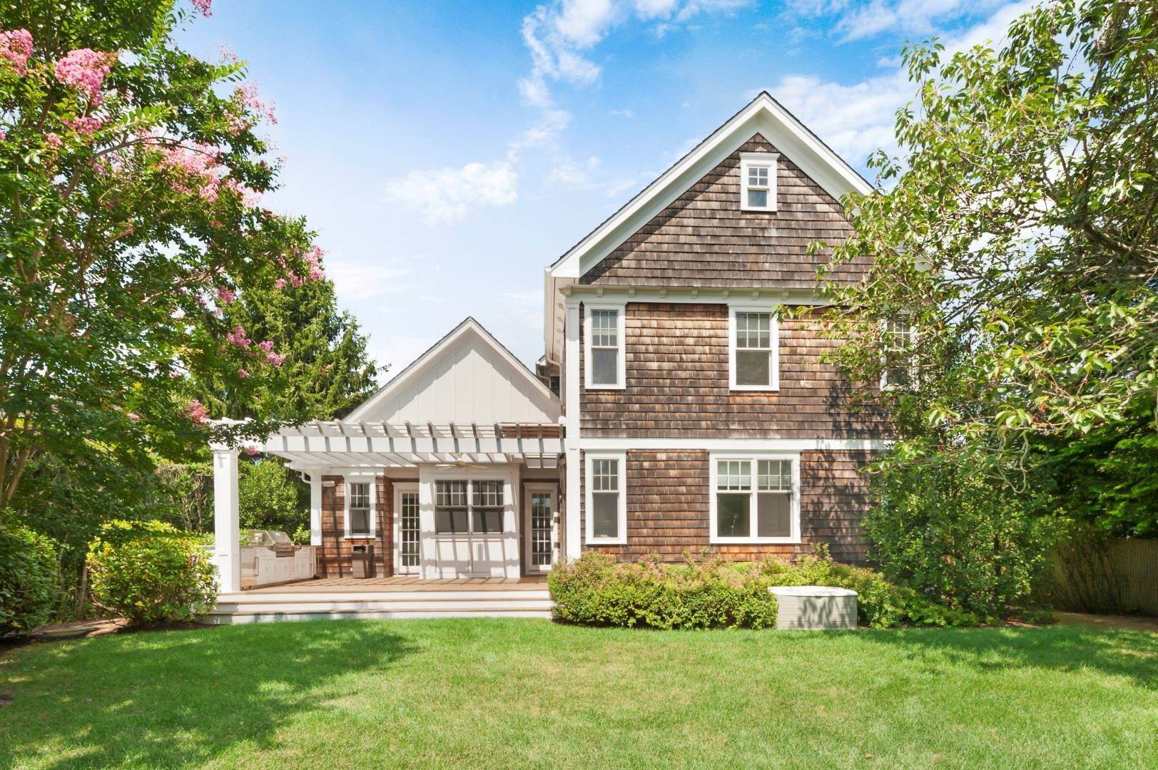 Single Family Home at Southampton Village Rental 66 Old Town Crossing, Southampton, NY 11968