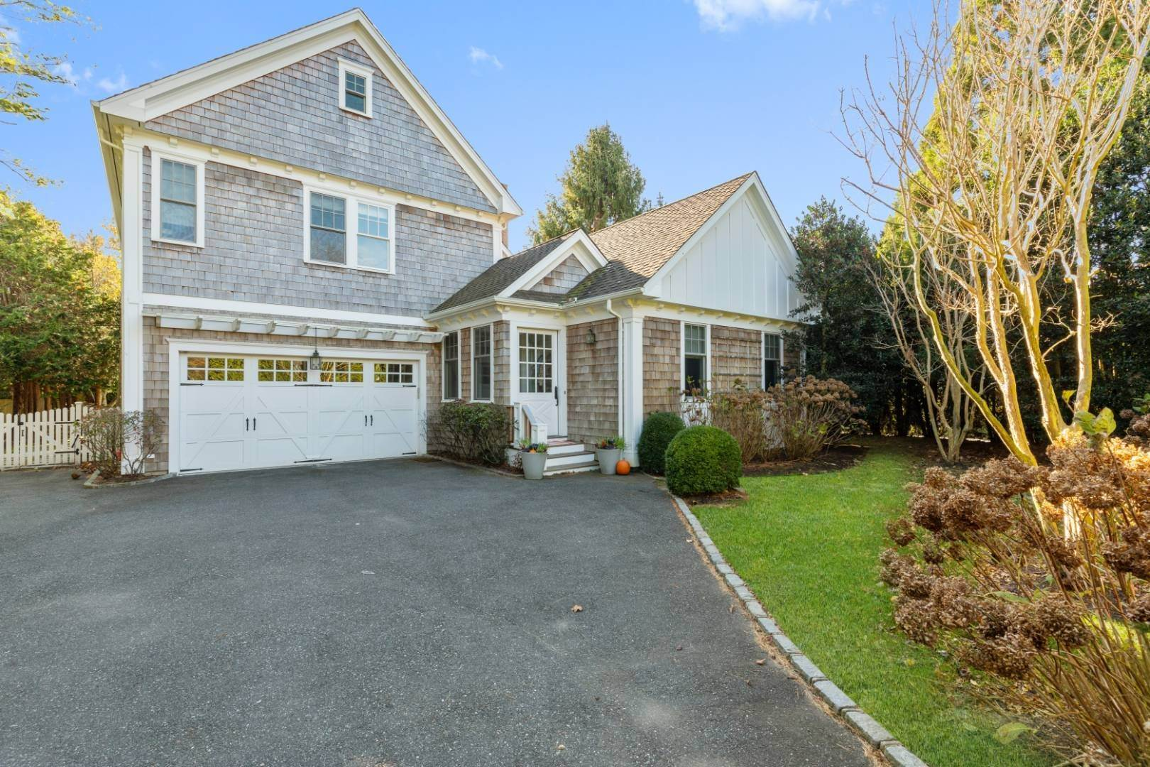 30. Single Family Home at Southampton Village Rental 66 Old Town Crossing, Southampton, NY 11968