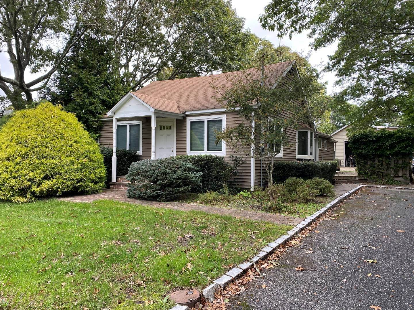 Single Family Home for Sale at Unigue Opportunity 46 Peters Ln, Quiogue, NY 11978