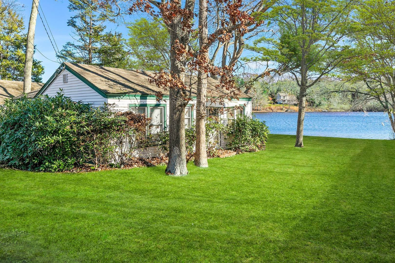 Single Family Home for Sale at Waterfront Cottage Gem 8 Justan Ave, Southampton, NY 11968