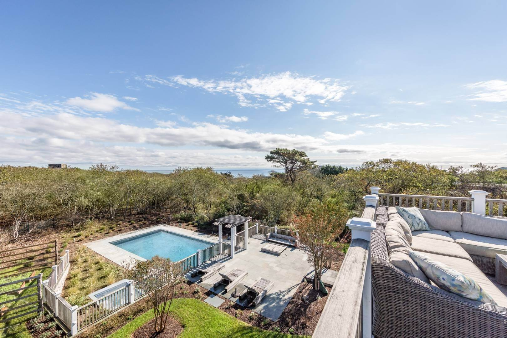 Single Family Home at Beautiful Montauk Traditional With Ocean Views 14 North Surfside Avenue, Montauk, NY 11954