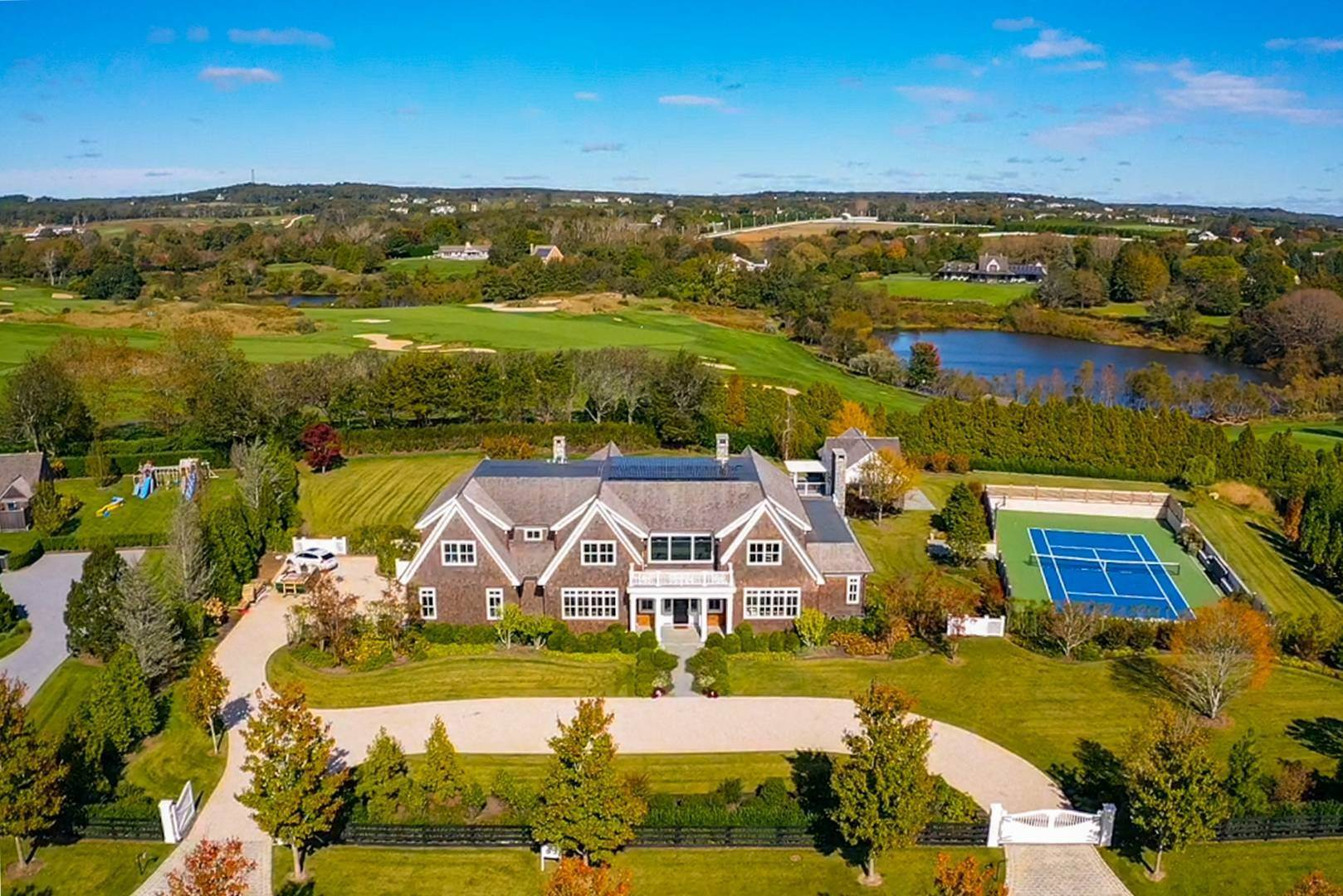 Single Family Home at Spectacular Two Trees Estate 10 Two Trees, Bridgehampton, NY 11976