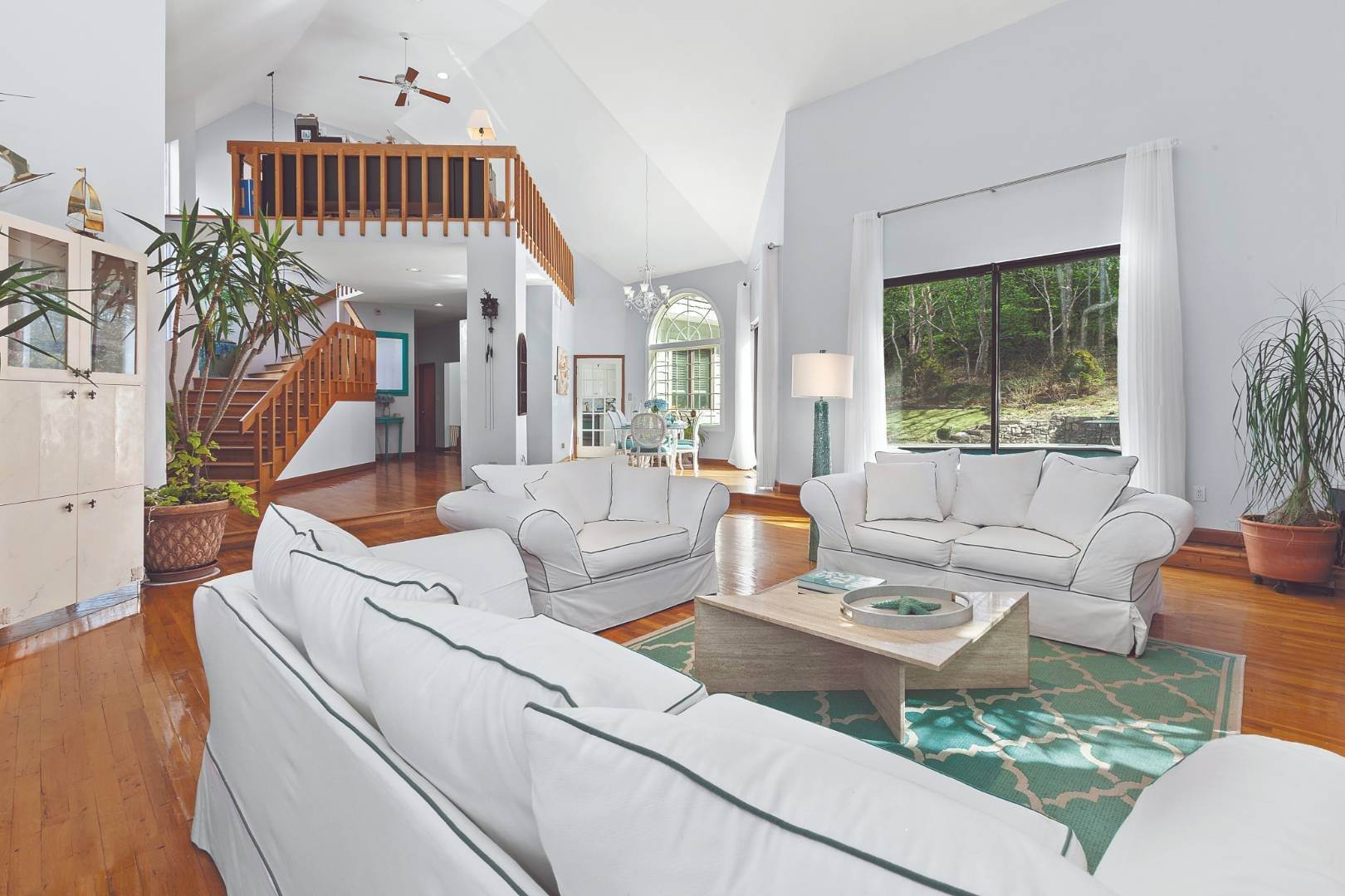 Single Family Home for Sale at Sag Harbor, NY 11963