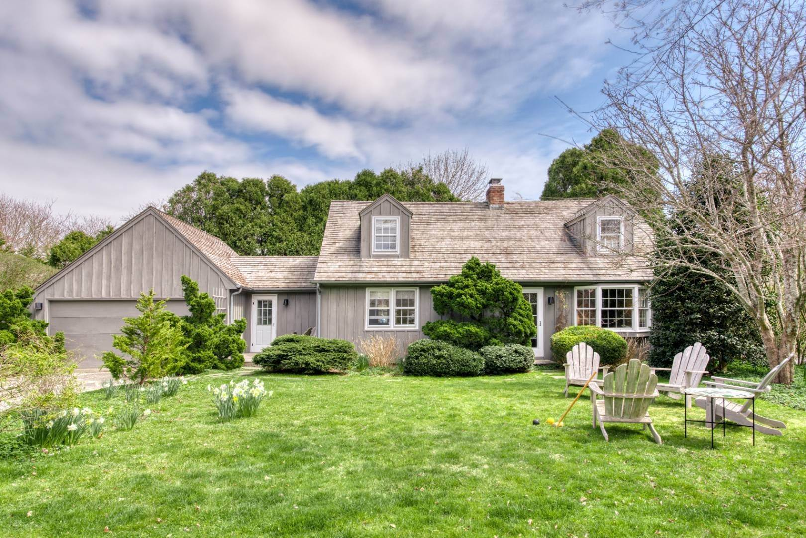 Single Family Home for Sale at Charming & Chic Cottage Walking Distance To Town 50 Sherrill Road, East Hampton, NY 11937