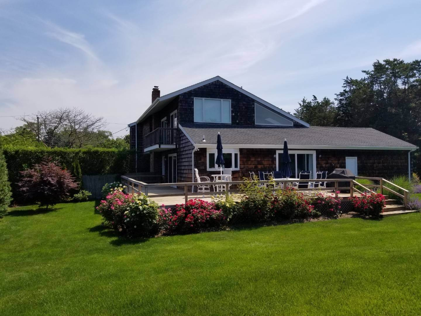 25. Single Family Home at Southampton August Rental On The Golf Course Southampton, NY 11968