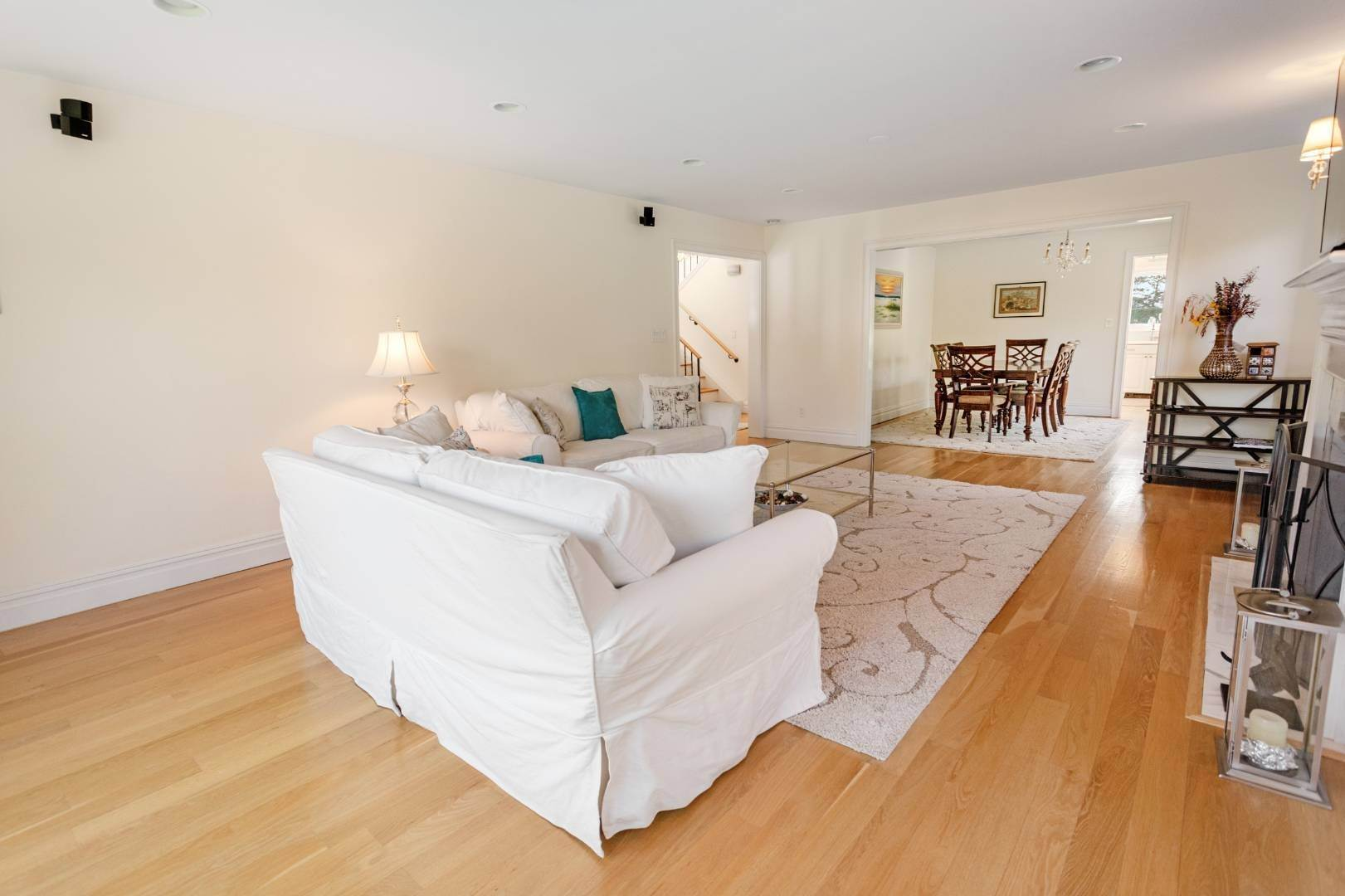 8. Single Family Home at Southampton August Rental On The Golf Course Southampton, NY 11968