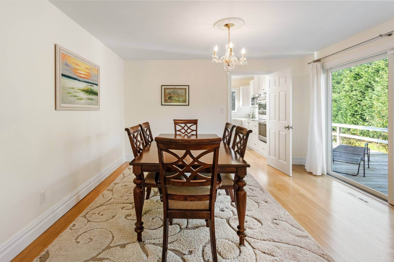 9. Single Family Home at Southampton August Rental On The Golf Course Southampton, NY 11968