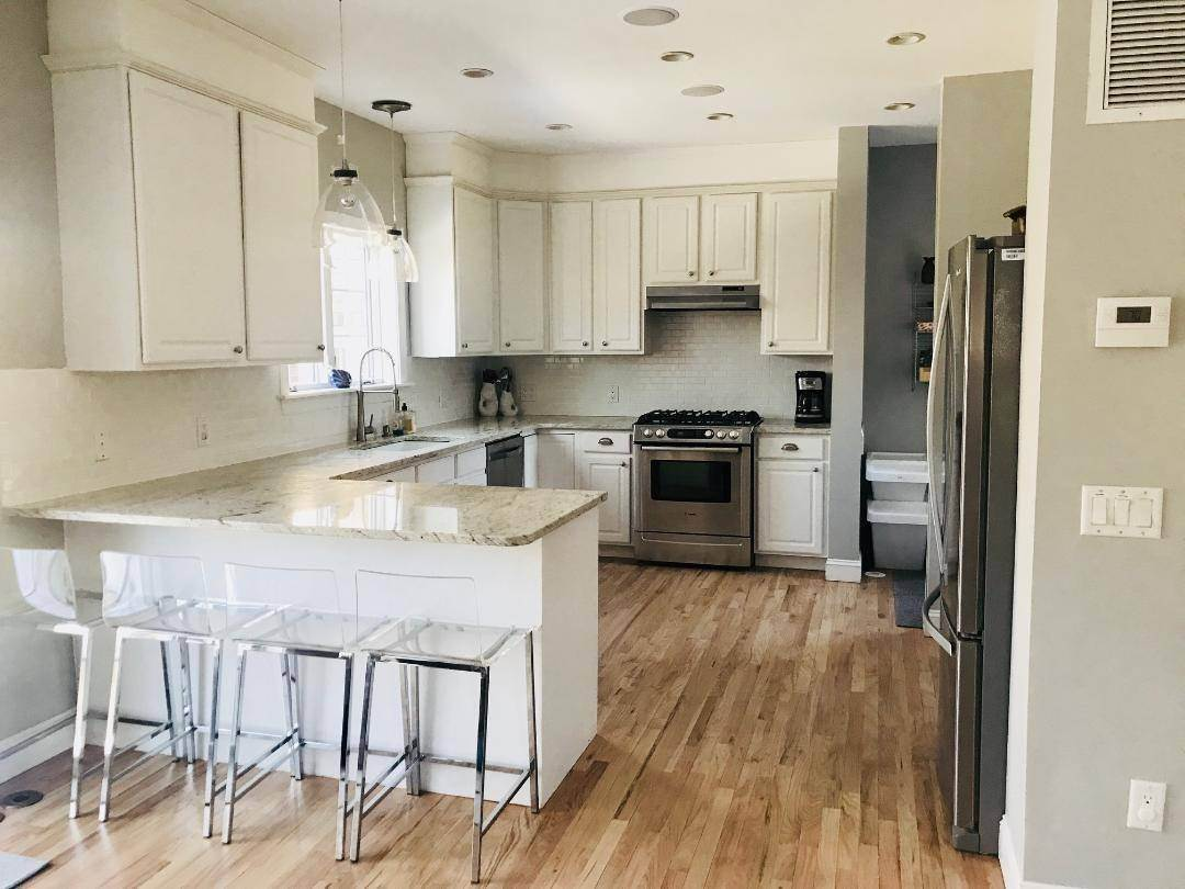 27. Single Family Home at Westhampton Beach Rental - Room For All - Heated Pool Westhampton Beach Village, NY 11978