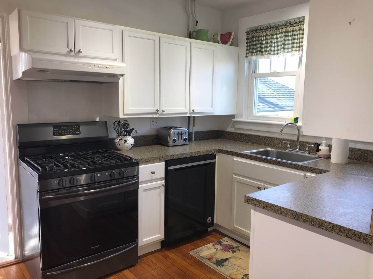 4. Single Family Home at Westhampton July & August Rental Westhampton, NY 11977