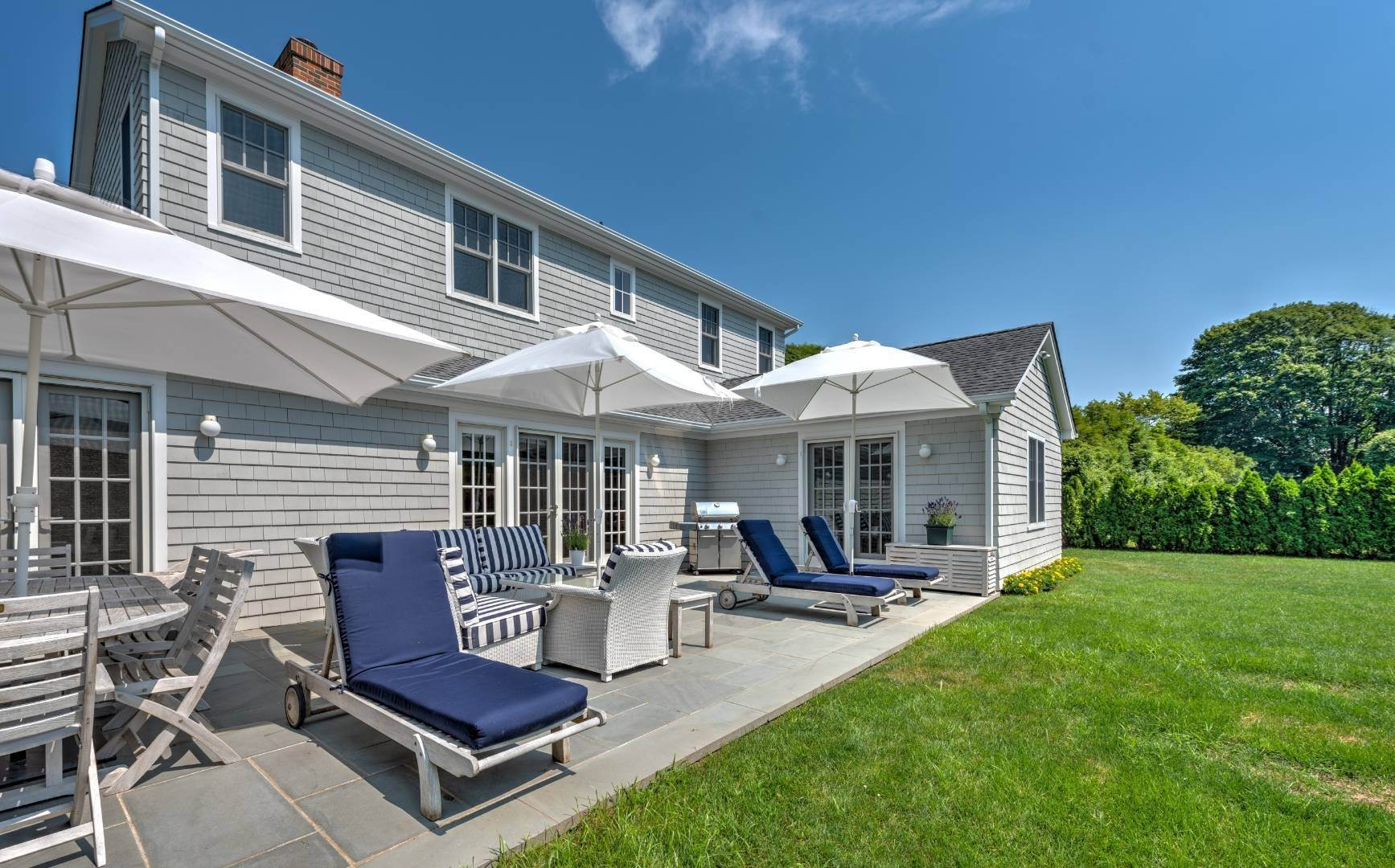 7. Single Family Home at Southampton Village - South Of The Highway Southampton, NY 11968