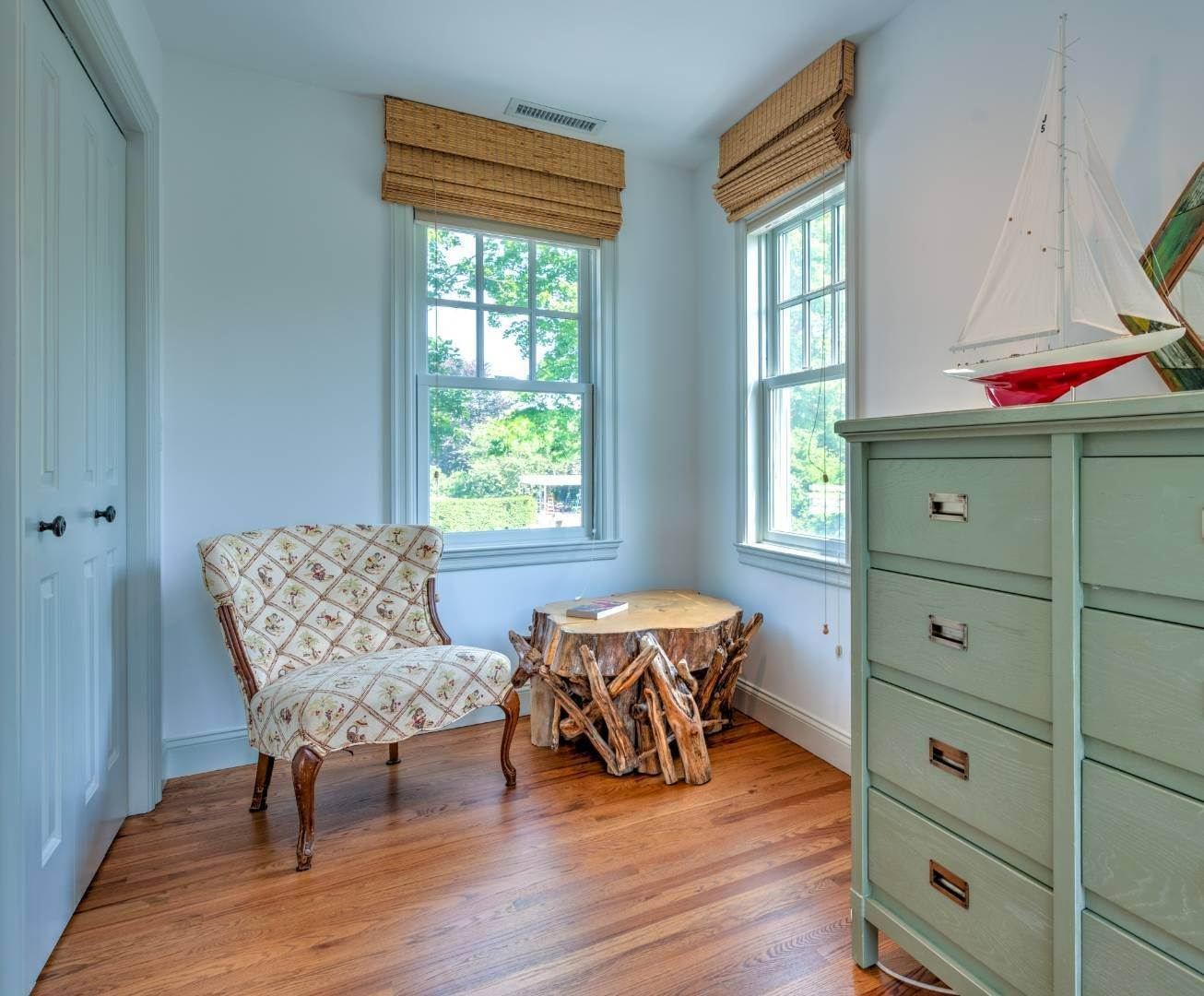 26. Single Family Home at Southampton Village - South Of The Highway Southampton, NY 11968