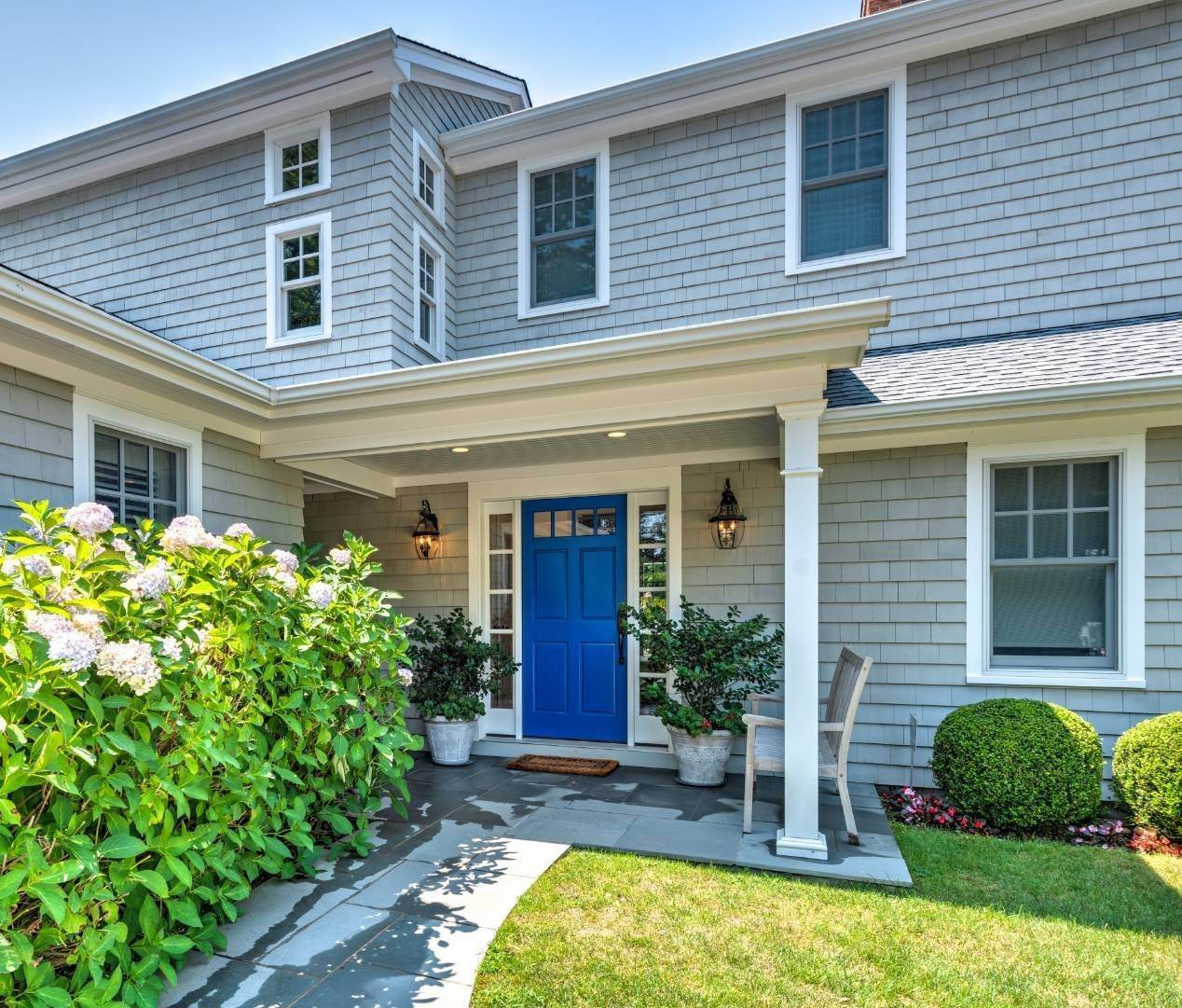 2. Single Family Home at Southampton Village - South Of The Highway Southampton, NY 11968