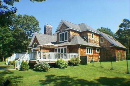 13. Single Family Home at East Hampton Rental Close To The Bay East Hampton, NY 11937