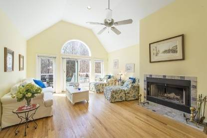 2. Single Family Home at East Hampton Rental Close To The Bay East Hampton, NY 11937