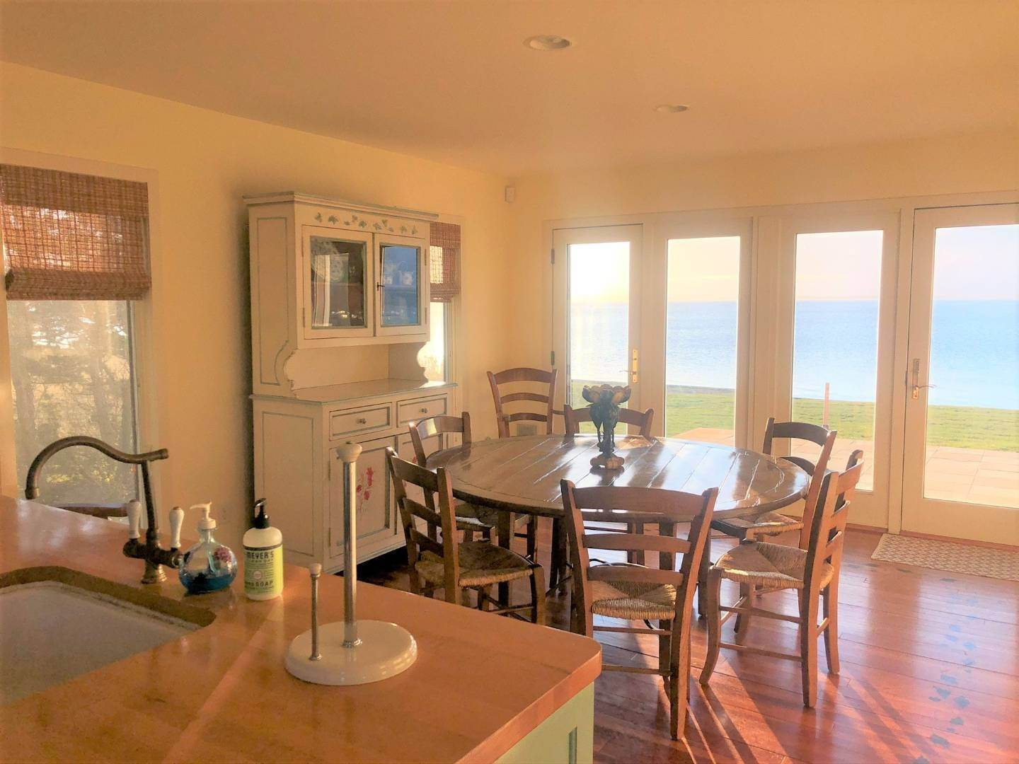 9. Single Family Home at Southampton Waterfront With Private Beach! Southampton, NY 11963