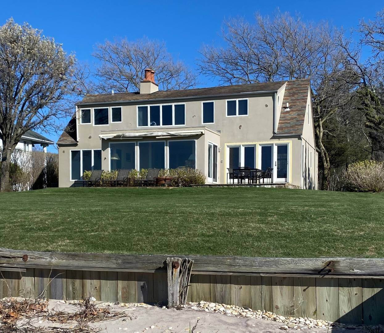 2. Single Family Home at Southampton Waterfront With Private Beach! Southampton, NY 11963