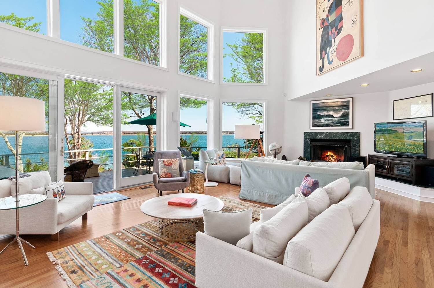 5. Single Family Home at East Hampton Waterfront East Hampton, NY 11937
