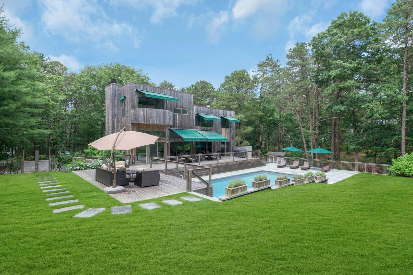 Single Family Home at Gorgeous New Rental Listing East Hampton, NY 11937