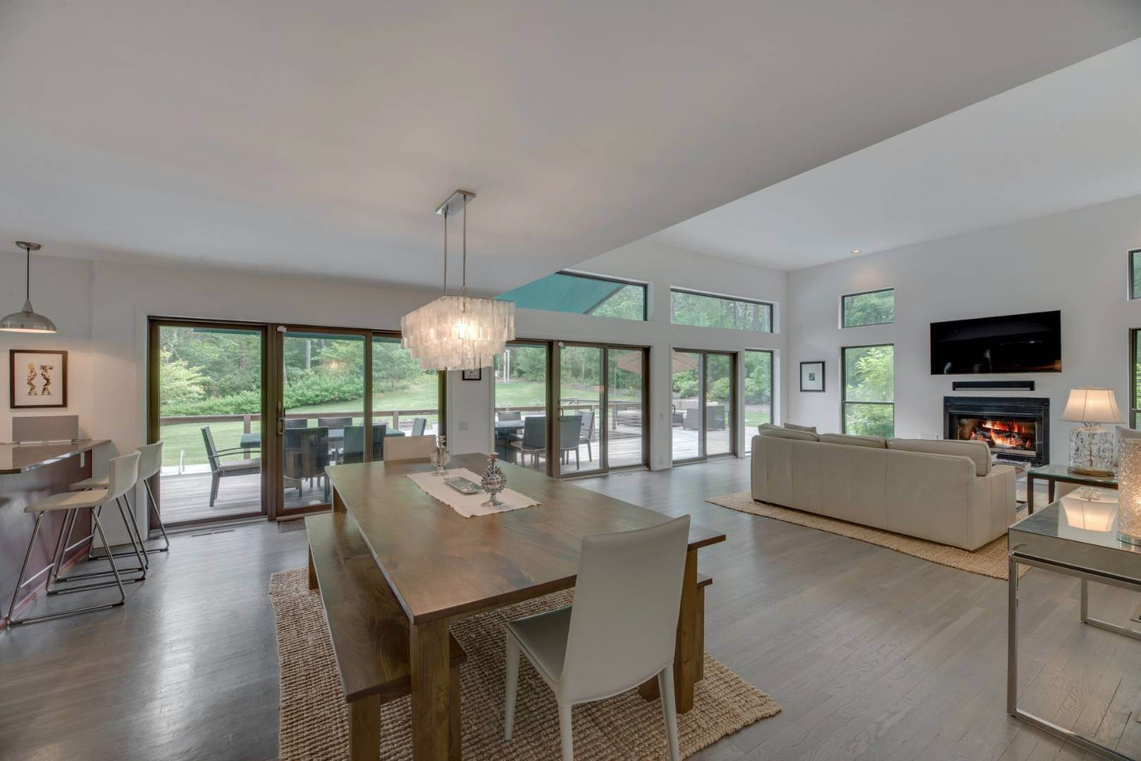 8. Single Family Home at Gorgeous New Rental Listing East Hampton, NY 11937