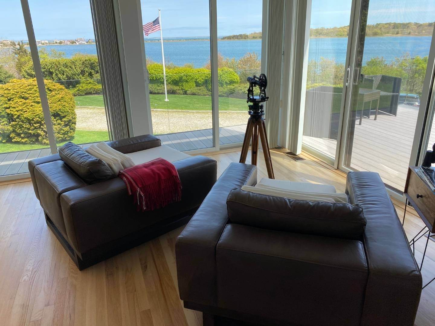 8. Single Family Home at Southampton With Pool & Tennis, Waterviews Southampton, NY 11968