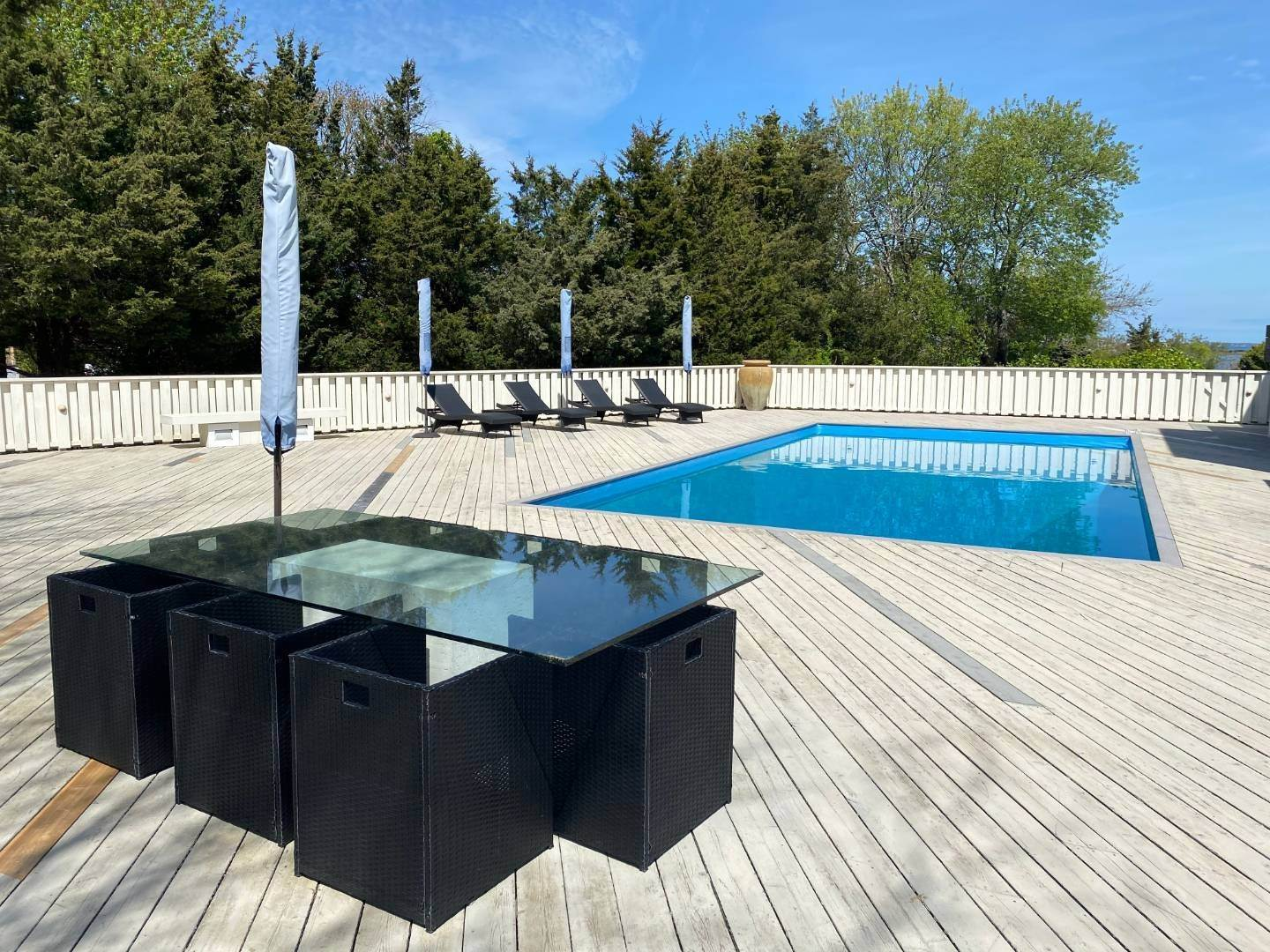 3. Single Family Home at Southampton With Pool & Tennis, Waterviews Southampton, NY 11968