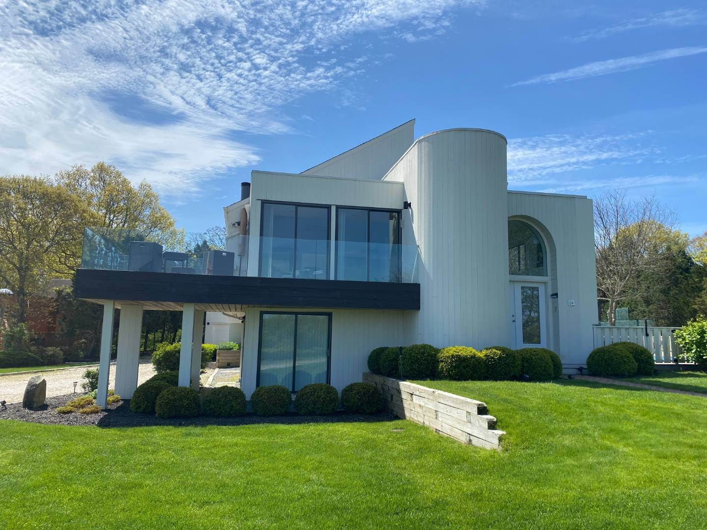 2. Single Family Home at Southampton With Pool & Tennis, Waterviews Southampton, NY 11968