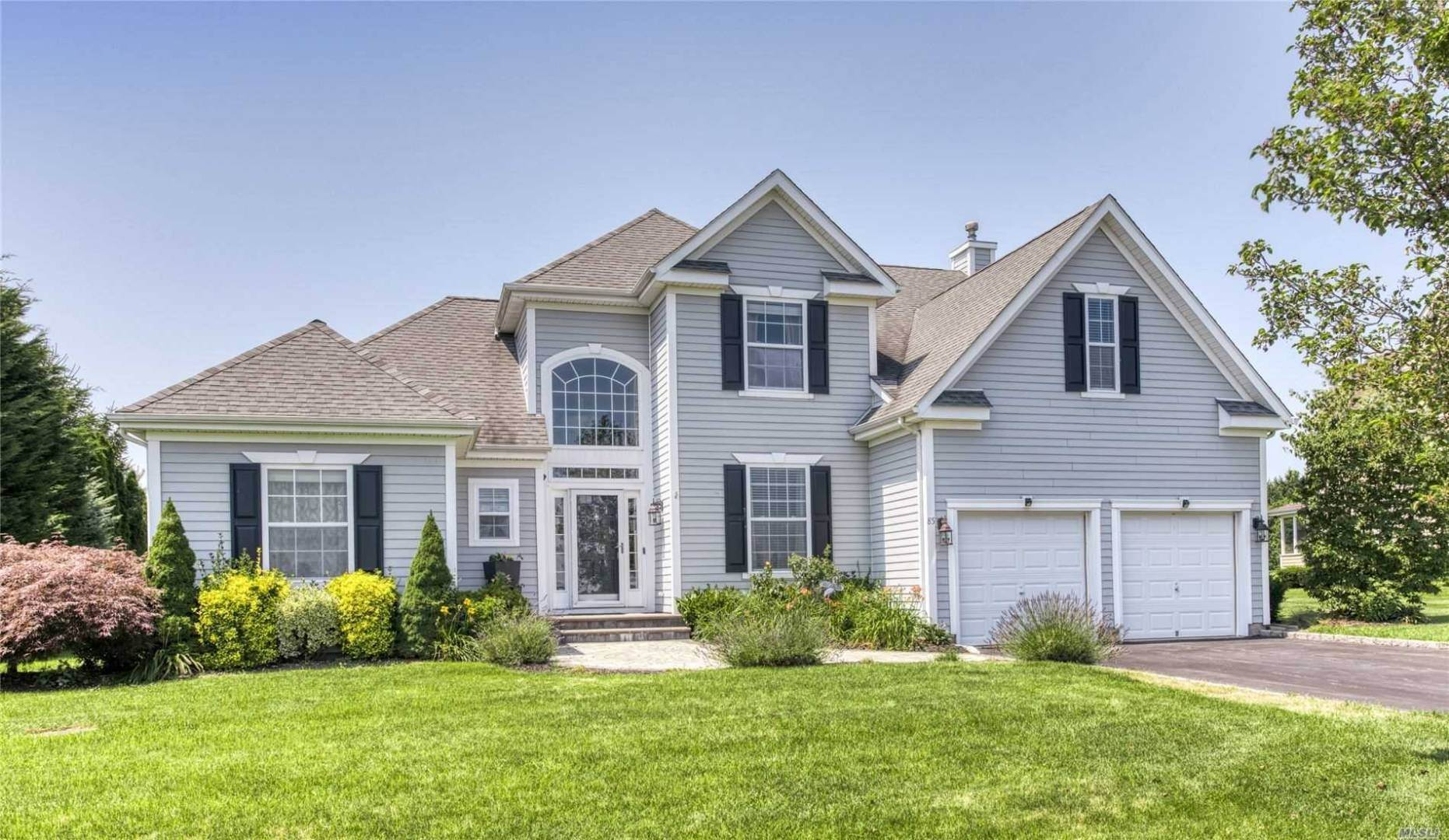 Single Family Home for Sale at Stunning Hampton Post Modern In The Highland Club At Reeves Hoa 85 Windflower Ln, Riverhead, NY 11901