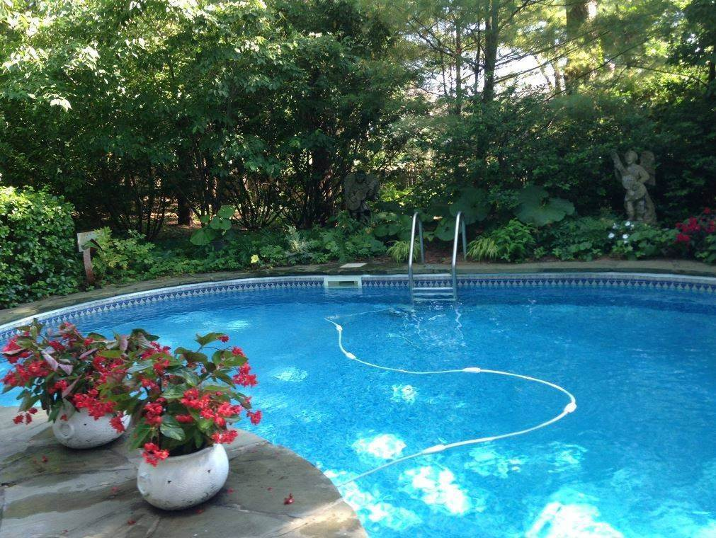 Single Family Home at Southampton August-Ld Rental Southampton, NY 11968