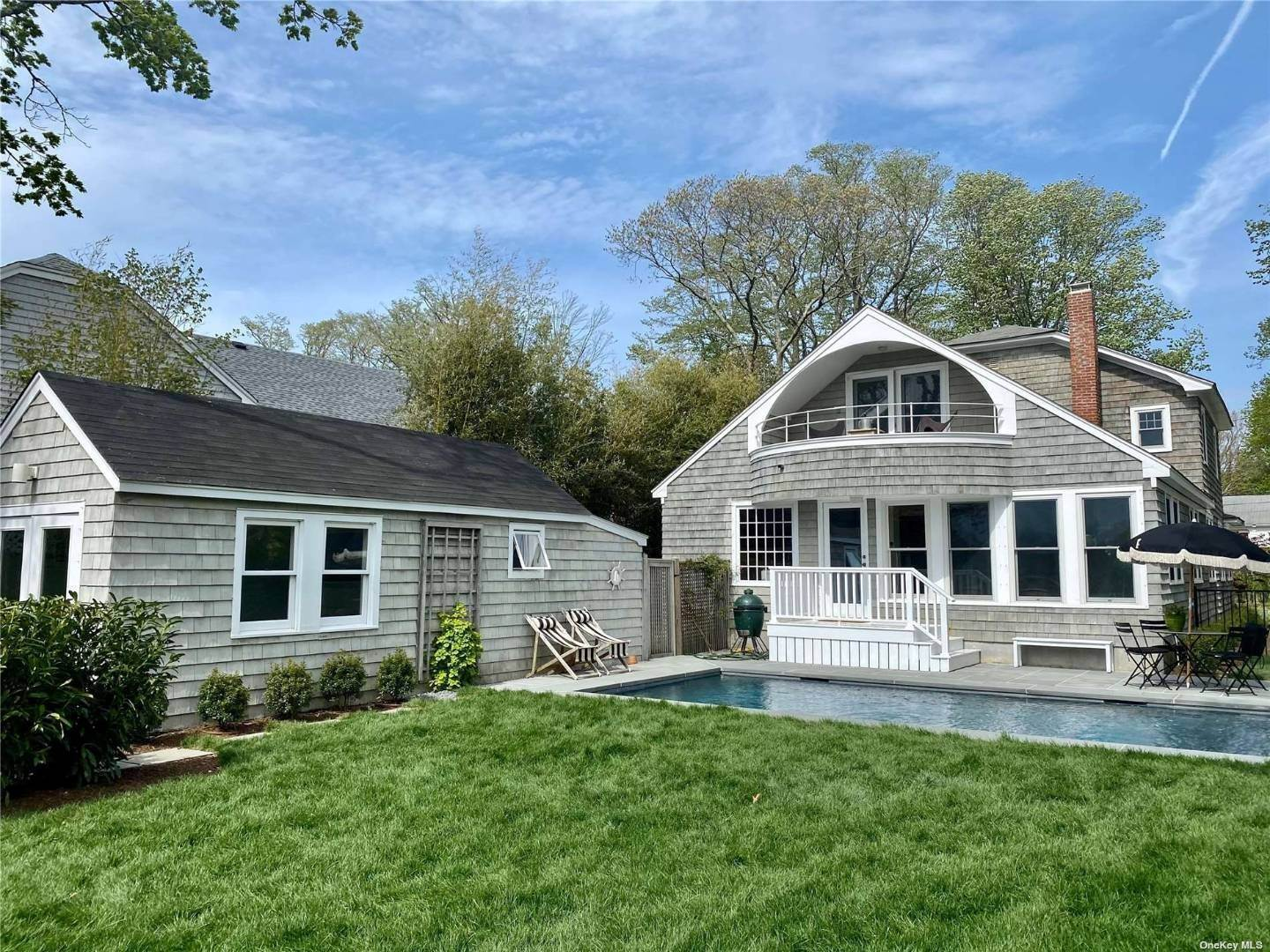 Single Family Home for Sale at Quiogue, NY 11978