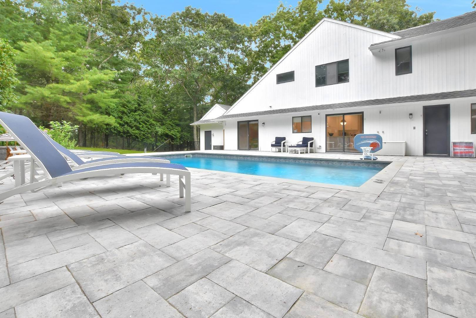 Single Family Home for Sale at Bridgehampton Equestrian Country! 132 Sea Farm Ln, Bridgehampton, NY 11932